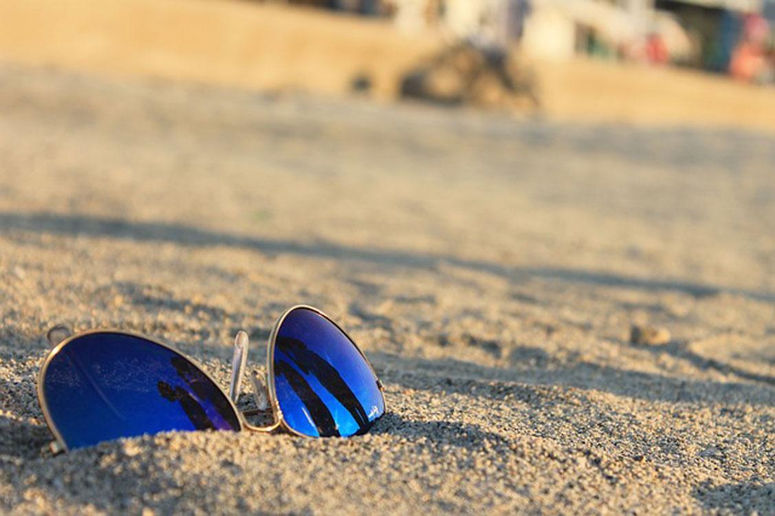 Cuidados a ter com os óculos na praia! – Fábrica de Óculos do Cacém 4d8c29f036