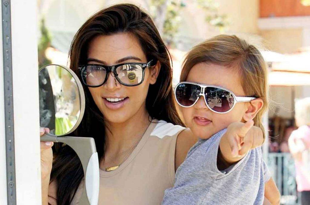 Sejam óculos para ver ou óculos de sol, todas as crianças são capazes de  enfrentar os seus medos e transformar-se nos seus heróis! 8e8e7cd87e