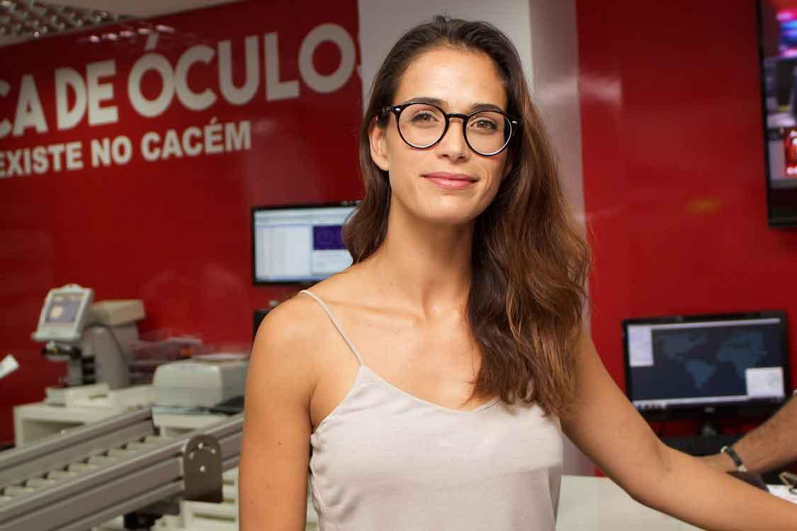 A Ana Varela veio à Fábrica de Óculos do Cacém – Fábrica de Óculos ... d2cb9e0396